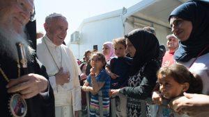 Papa Francesco a Lesbo - foto Vatican News